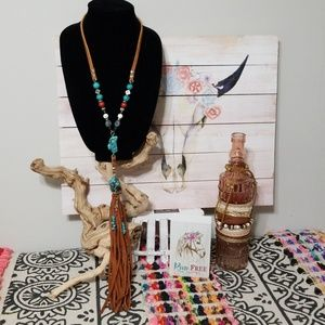 NEW! CCD LEATHER & NATURAL STONE TASSEL NECKLACE!
